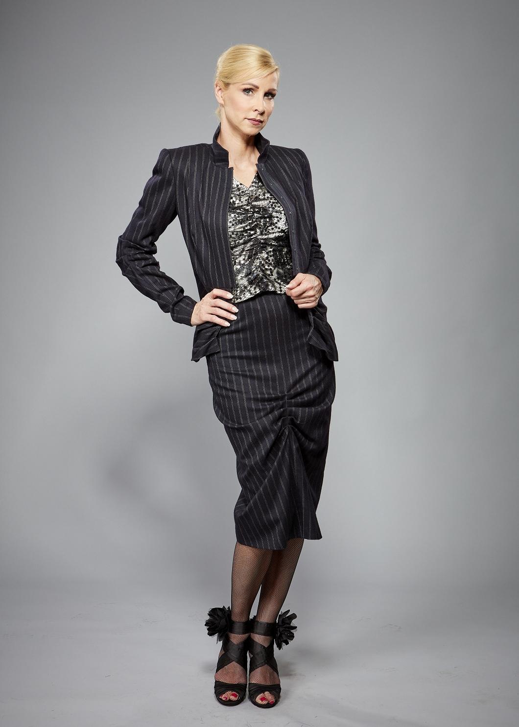 Business Kostüm, Nadelstreifen, Dunkelblau